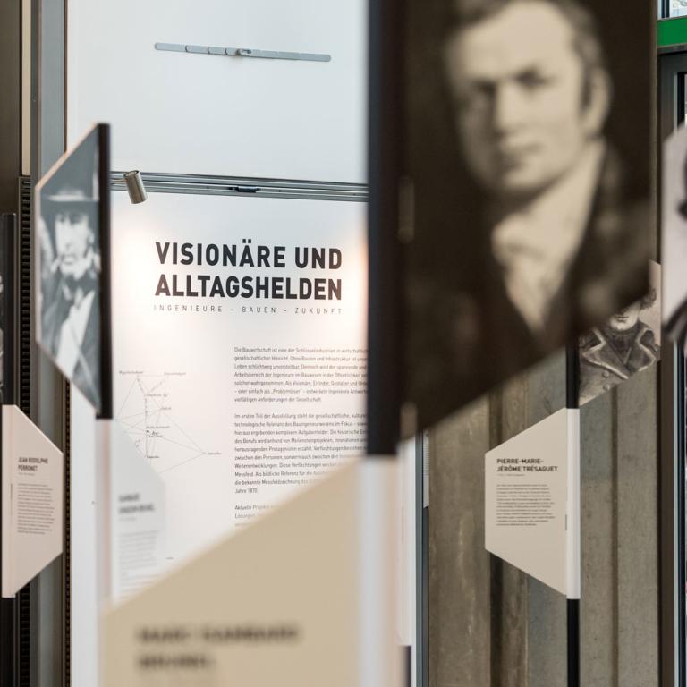 Ausstellung Visionäre und Alltagshelden